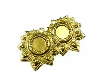 Brass bezels findings for pendants or earrings 2pcs