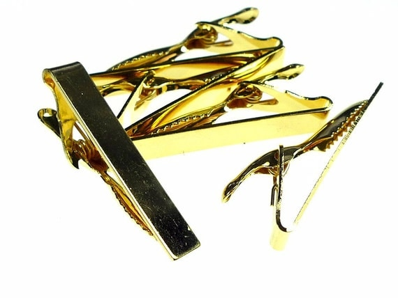 Sweater guard clips or tie pins gold tone alligator clips 6pcs