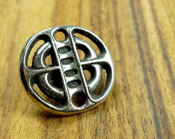 Pewter metal button, traditional motive from Norway
