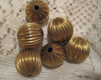 Vintage Brass Beads: Unplated Round Hollow Ribbed Corrugated Rounds, Old Stock, 18mm, 6 pcs.