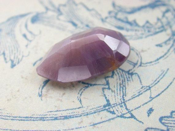 SAPPHIRE CLAW Shape. Natural. Purple Gray Rose Cut . 16 x 10 MM (ref.S82)