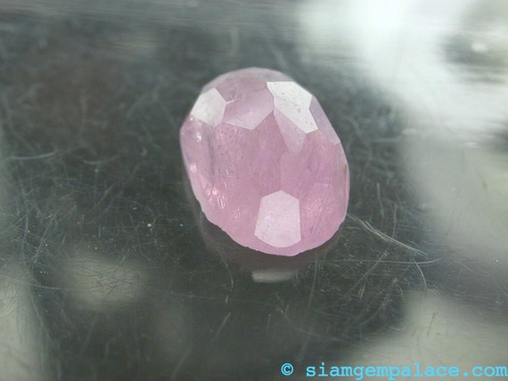 SPINEL. Lavender Pink. High DOMe. SUpeR NiCE.CoOl. Micro Facet Cabochons. Oval. 7.60 cts. 9.5x13.5mm (SP128)