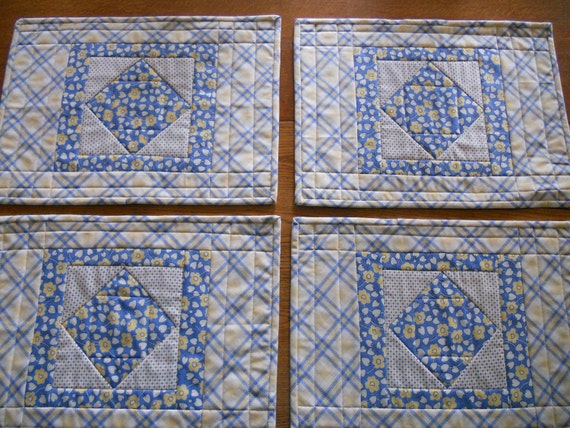 Quilted Placemats Retro Blue Yellow Set of 4
