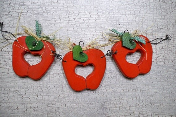 Decorative Wooden Apple Wall Hanging, 3 in a Row