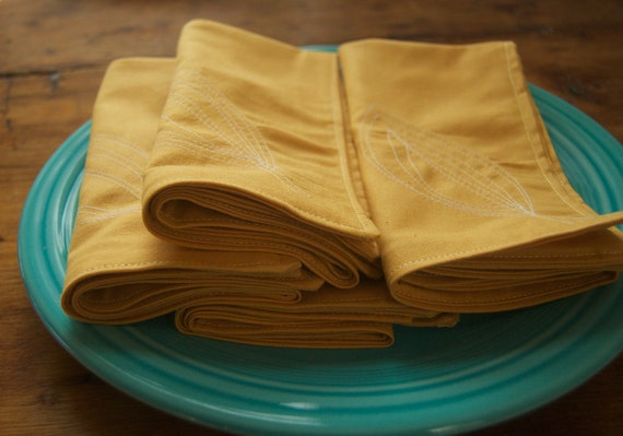 Stitched Leaf Set of 4 Golden Yellow Cloth Napkins