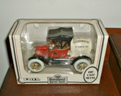 Ertl 1918 Runabout Barrel Bank in Box Anheuser Busch Die Cast Number 9766  1988