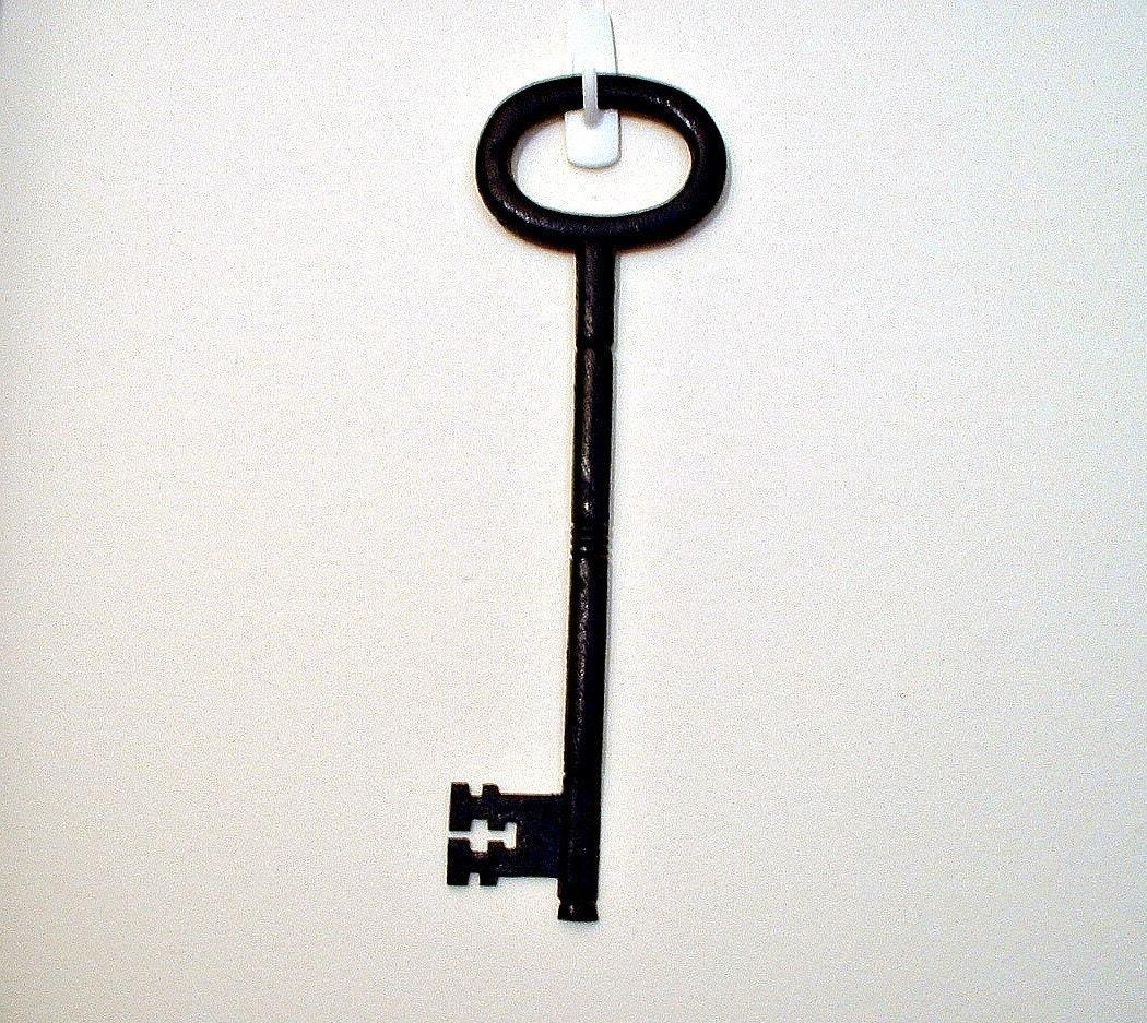 Vintage huge skeleton key rustic decor wall hanging steampunk for Keys decorating walls