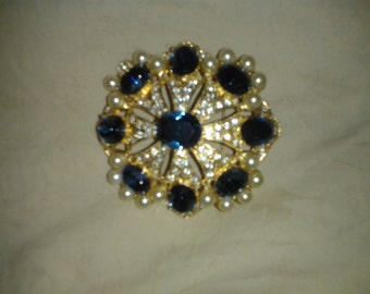 Old Hollywood Glamour Pearl & Crystal Pin/Brooch