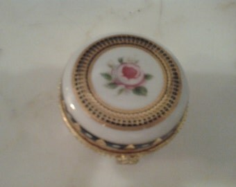 Exquisite Parisian Painted Porcelain Gilded Dresser Jewelry Box