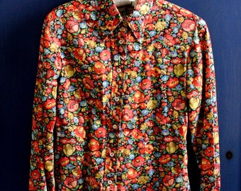 1970s Ellen Tracy Black Floral Print Juniors Blouse Saks Fifth Avenue Young Dimensions Small