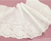wide embroidered cotton lace 1yard (width 17.5cm) 25945 white