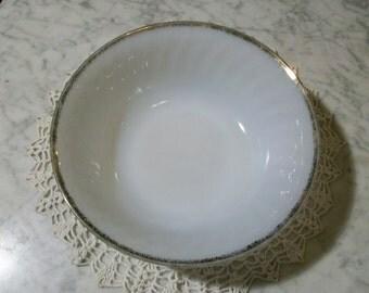 Milk Glass Bowl Fire King Gold //