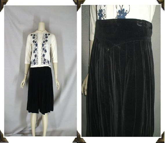 Classic Black Velvet Vintage 1950's Pleated Holiday Skirt XS S