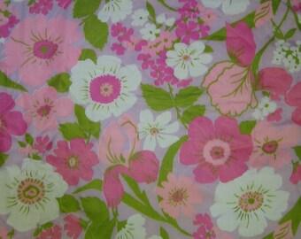Hot pink Flower Power bedspread