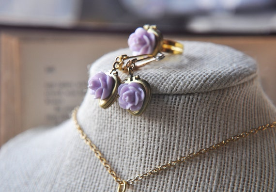 Light Purple Rose Jewelry Gift Set Includes Earrings Matching Ring Vintage Heart Lockets - Indie - flower girl wedding