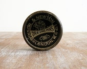 Vintage British drawing pin tin Winsor and Newton of London
