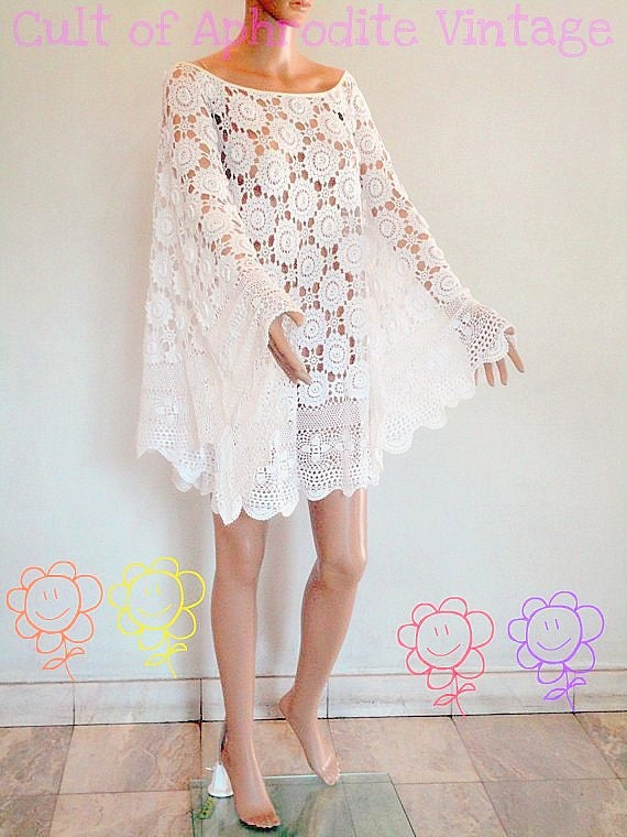 SALE Vintage 70s Floral Crochet CUTOUT 3D Lace Wedding Boho Mini DRESS