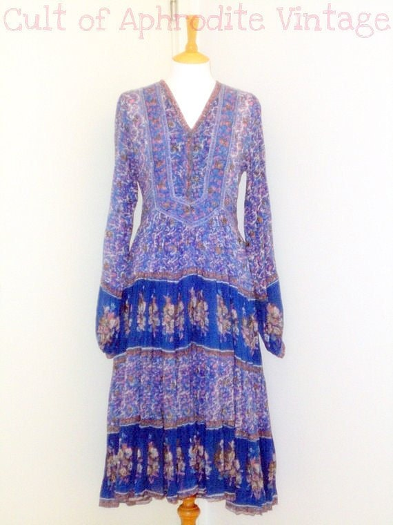 Vintage 70s Indian Gauze Floral Hippie Boho Tired Midi DRESS