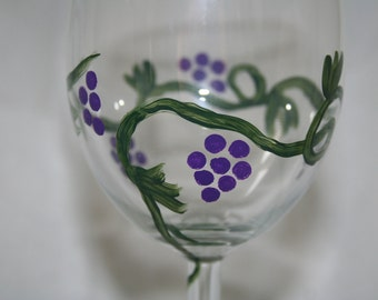 wineglass hand painted grapes set of 4