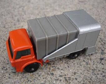 Vintage Matchbox Car- Series No. 7 Refuse Truck