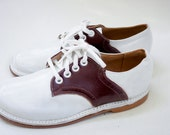 Youth leather buster brown shoe size 3 1/2