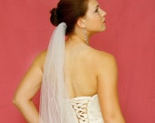 Bridal veil with scattered pearls - white / diamond white / ivory