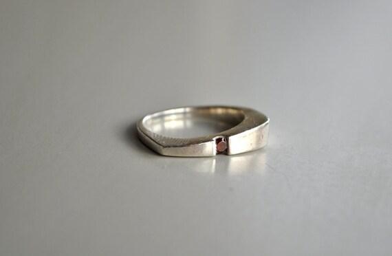 Vintage Modernist Garnet Silver Ring