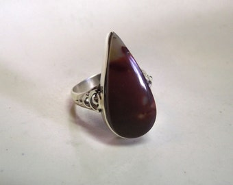 Pear Shaped Mookaite Jasper set in Sterling Silver with Detail---Size 9 3/4