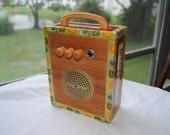 "Cigar Box Amplifier / MP3 Speaker ""Red & Gold Romeo y Julieta"""