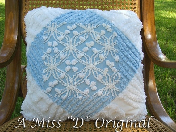 Shabby Chic Chenille Pillows : Vintage Shabby Chic Chenille Pillow in Blue and White
