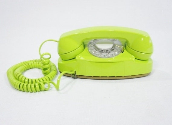 1980 Vintage Phone chartreuse rotary dial telephone