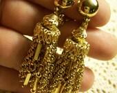 Vintage pair of gold clip earrings
