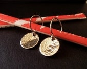 TaG yOu'Re iT...SiLvEr DiSc EaRRiNgS