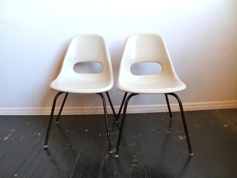 Pair Of Mid Century Krueger White Fiberglass Shell Chairs