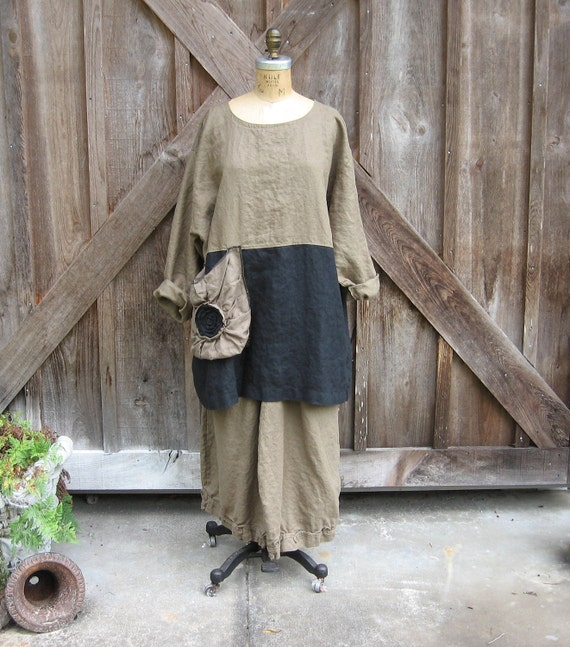 linen tunic top blouse in cocoa brown and black with rose pouf pocket ready to ship