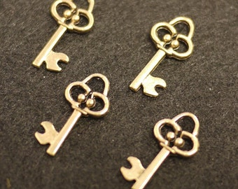 Antique Finish Metal Key Charms - 10 pcs (Z-0004)