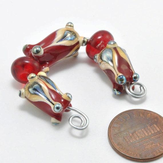Fancy Red Pods : Handmade Lampwork Beads