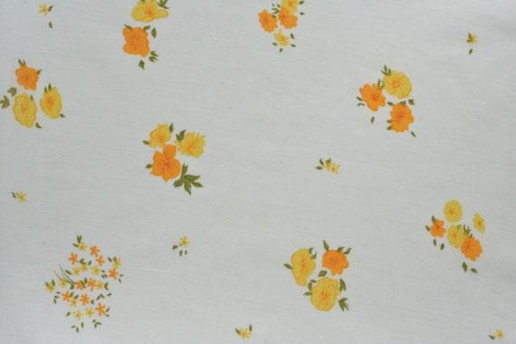 vintage fabric fat quarter - yellow & orange blooms