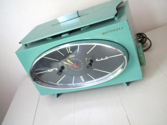 Retro Vintage Working Teal/Aqua Motorola Electric Clock
