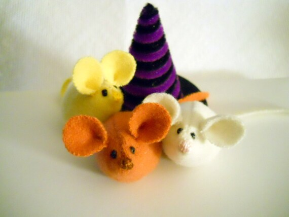 Halloween Mice in a Witch's Hat - Cute Decoration - Candy Corn Animals