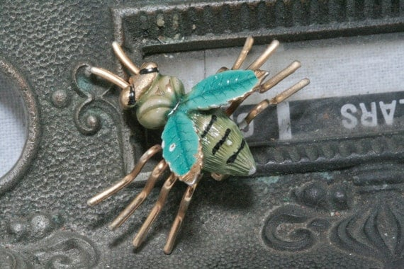 Vintage Bug Insect Critter Brooch Green and Gold