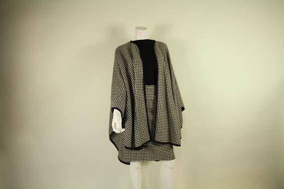 "Vintage 1970s Lillie Rubin  Dress Suit // Herringbone  Cape Skirt//  W 34"""