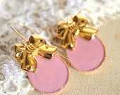 Royal bow gold and pink  Victorian shabby chic vintage style goldfield hooks earrings.