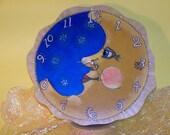 LUNA CLOCK