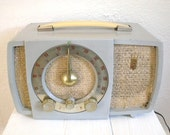 RESERVED Vintage Zenith Tube Radio Model S-17366 Grey Gray