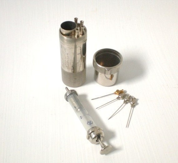 Vintage Hypodermic Syringe with 4 Needles and Original Metal Case/Sterilizing Container
