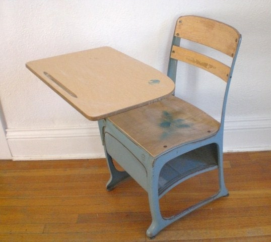 vintage child 39 s school desk and chair wood metal mid. Black Bedroom Furniture Sets. Home Design Ideas