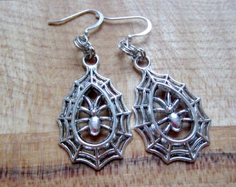 Silver Spider Earrings - Halloween Jewelry - Hipster Kitsch Goth Jewellery