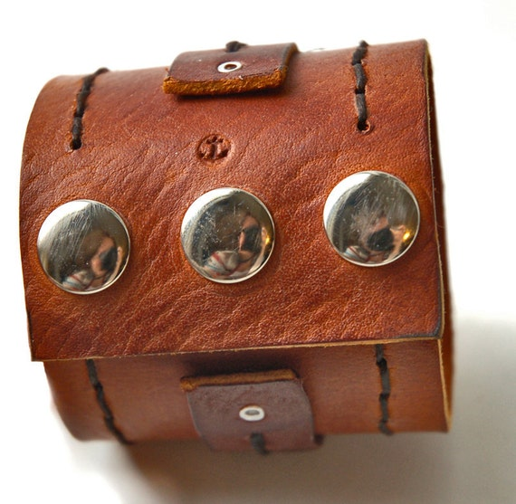 The BeastMaster Contrasting Brown Leather Cuff