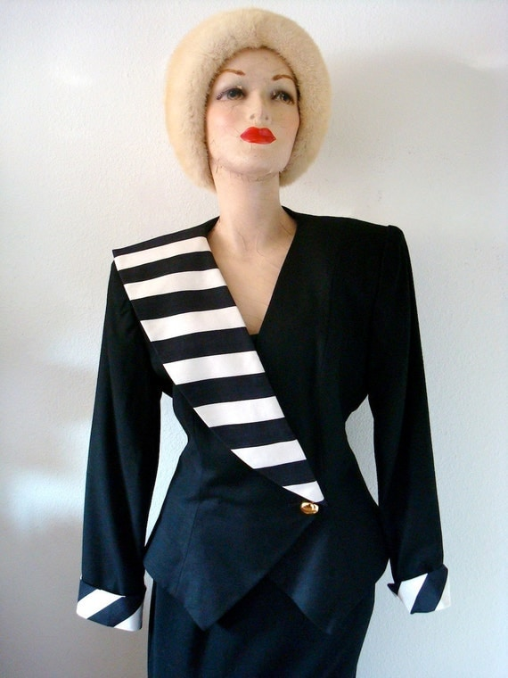 1980s Jacket / Vintage Black Rayon Suit Coat / ebony & ivory